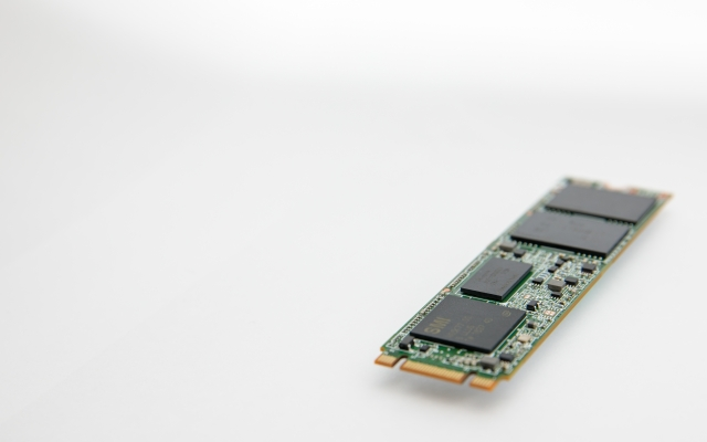 AmazonセールスレでHDD買っただのSSD買っただのNAS買っただの言ってるけどこのご時世何を保存してるんだ?